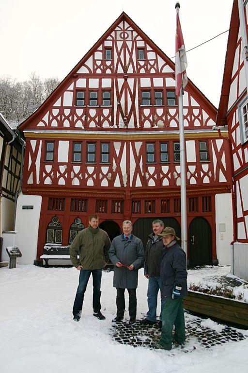 rathaus-weinahr1_512x768.jpg